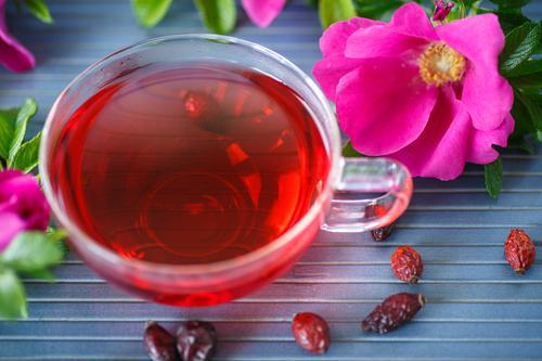Чай из сушенных плодов шиповника