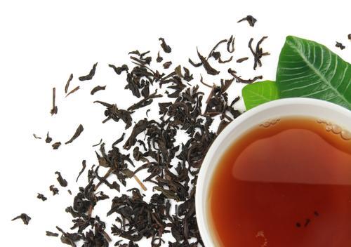 Свежезаваренный китайский чай Да Хун Пао