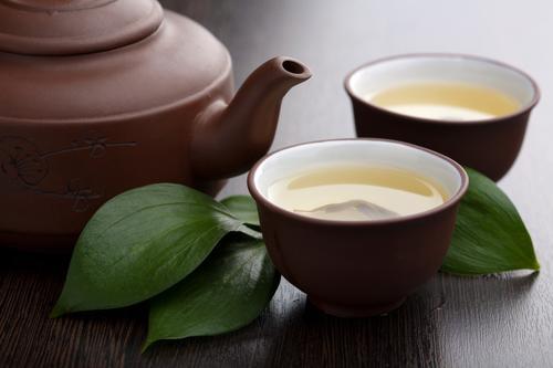 Чашки зеленого чая