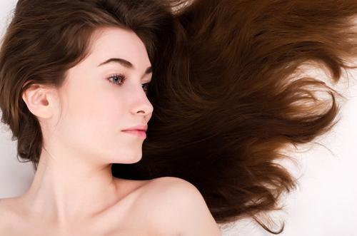 Роскошные волосы у девушки