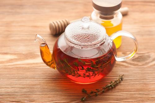 Чай со свежими веточками тимьяна