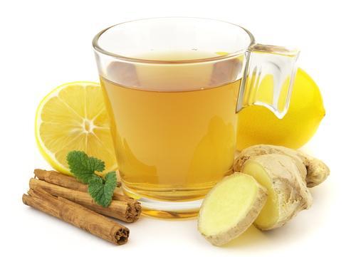 Кражка чая с имбирем и корицей
