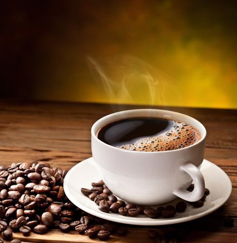Чашка и зерна кофе