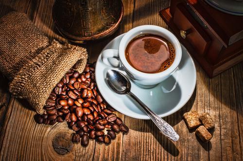 Чашка кофе с аксессуарами