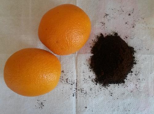 Молотый кофе и апельсины для сока