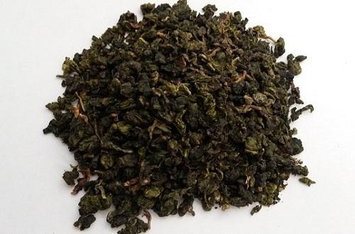 Сухие листочки чая улун