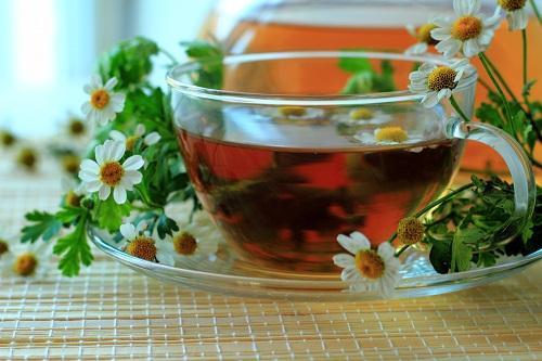 Травяной ромашковый чай