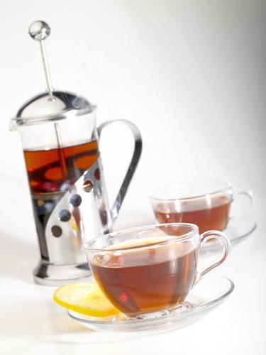 Френч пресс для чая и две чайные кружки