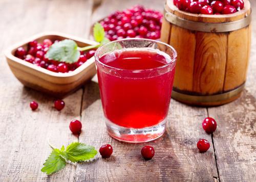 Чай с клюквой из свежих ягод