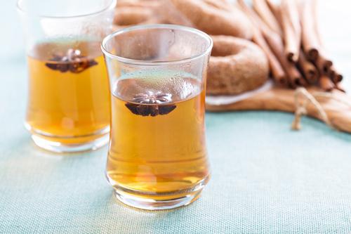 Горячий чай с гвоздикой