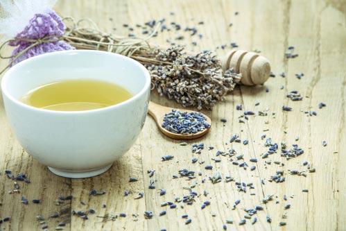 Чай с сушеными цветками лаванды