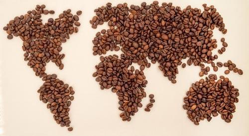 Рисунок из кофейных зерен в виде карты