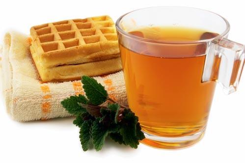 Чай с листиками мелиссы
