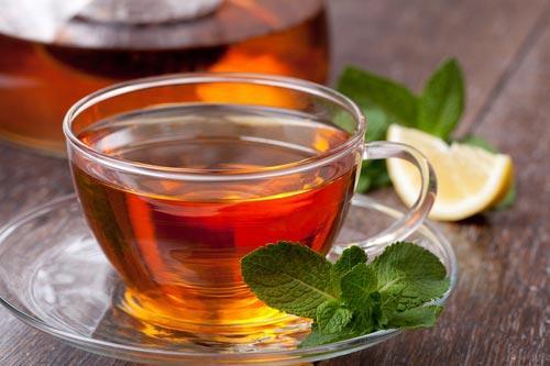 Чай с долькой мандарина и мятой