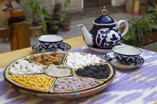 Подача чая по-узбекски