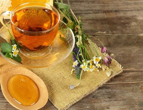 Травяной чай с медом