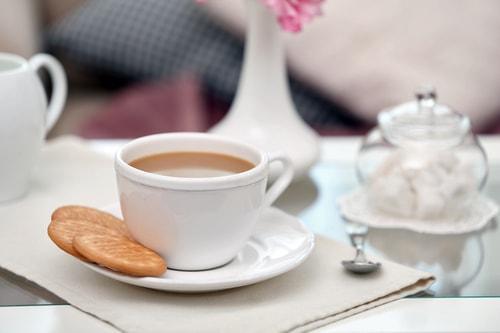 Чашка кофе с добавлением молока