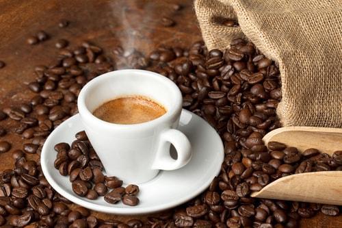 Чашечка кофе из натуральных зерен