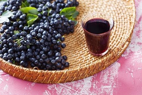Морс из ягод черноплодной рябины