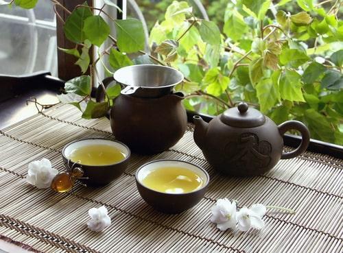 Свежезаваренный китайский чай