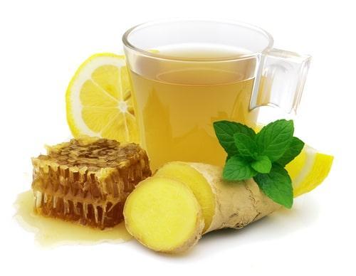 Имбирно-лимонный напиток с лимоном и медом
